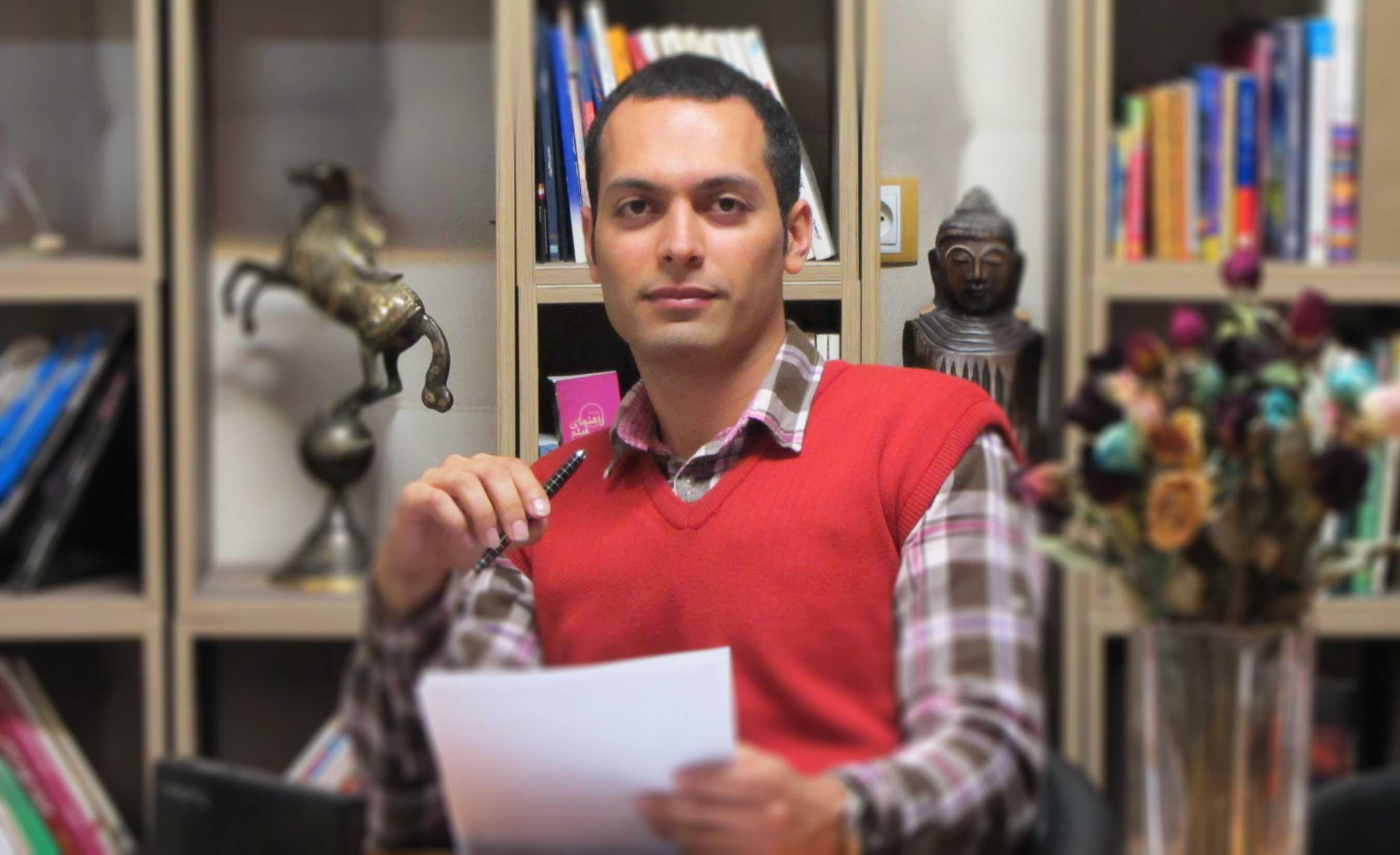 مسعود کثیری فر مشاور ارشد آموزشگاه کنکور هنر هونر طرح مشاوره رایگان کنکور هنر برای هنرجویان تمام کشور